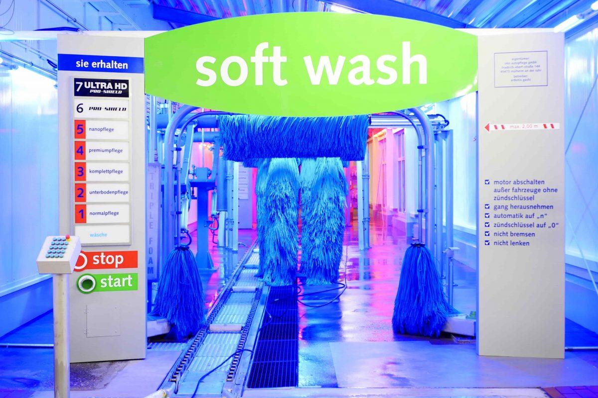 In unserer IMO Waschanlage erwartet Sie neuste Waschstraßentechnik mit tollen Farben und super Waschergebnis.